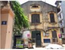 Hà Nội: Biệt thự cổ trăm tuổi, cửa bằng... cót ép