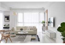Căn hộ Scandinavian gây ấn tượng mạnh với nội thất trắng, đen