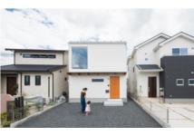 Nhà phố chật hẹp ở Nhật vẫn thoải mái với gia đình có 3 con nhỏ