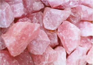 Tìm hiểu tác dụng của đá thạch anh hồng trong phong thủy
